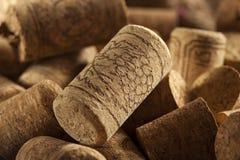 De rustieke Bruine Wijn kurkt Stock Foto's