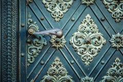 De rustieke oude middeleeuwse herhaalde ornamenten van het deurenpatroon Stock Foto