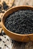 De ruwe Organische Zwarte Zaden van de Venkelbloem royalty-vrije stock afbeelding