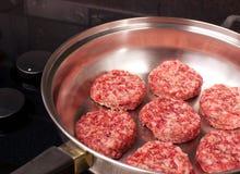 De ruwe Pasteitjes van de Worst van het Varkensvlees Stock Afbeelding