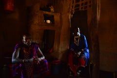 De safari Tanzania van Maasaimensen Stock Afbeelding