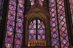 De Sainte-Chapelle fläck-exponeringsglas fönstren, Paris, Frankrike Fotografering för Bildbyråer