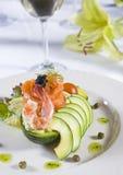 De salade à la carte voorgerecht van garnalen royalty-vrije stock foto