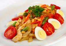 De salade met groenten en chiken Royalty-vrije Stock Foto's
