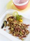 De salade van Chick Peas en van de granaatappel Stock Afbeelding