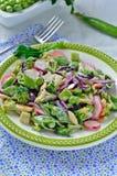De Salade van de broccoliradijs Royalty-vrije Stock Fotografie