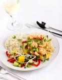 De salade van de garnaal en van de Mango Stock Afbeelding