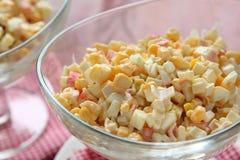 De salade van de krab met eieren, suikermaïs en mayonaise royalty-vrije stock afbeeldingen