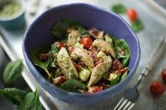 De Salade van de Pestokip royalty-vrije stock foto's