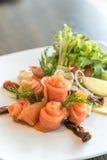 De salade van de zalmsashimi Stock Afbeelding