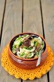 De Salade van de zuurkool, van de Aardappel en van de Paddestoel Royalty-vrije Stock Foto
