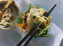 De salade van deegwaren stock afbeeldingen