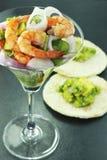 De salade van garnalen en van de avocado Stock Fotografie