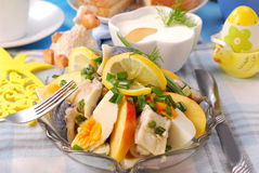 De salade van haringen voor Pasen Stock Afbeeldingen