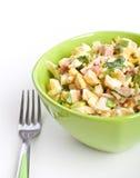 De salade van het ei in een groene kom Stock Foto's