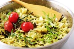 De salade van vlinderdasdeegwaren Royalty-vrije Stock Foto