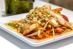 De Salade van de zeevruchtenpapaja Stock Afbeeldingen