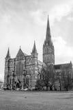 De Salisbúria da catedral fotografia preto e branco da parte dianteira para o oeste fotografia de stock