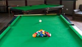 De samenstelling van biljartballen Stock Fotografie
