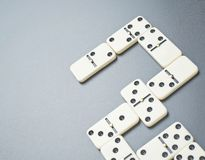 De samenstelling van dominobeenderen stock fotografie
