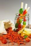 De samenstelling van een mengsel van gedroogd fruit en gojibessen Royalty-vrije Stock Fotografie