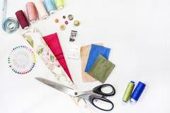De samenstelling van elementen voor het naaien royalty-vrije stock afbeeldingen