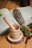 De samenstelling van hulpmiddelen van natuurlijke het helen kruiden Stock Foto
