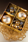 De samenstelling van Kerstmis met de decoratie van Kerstmis Stock Foto