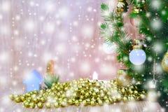 De samenstelling van de Kerstmisvakantie op houten achtergrond met exemplaarruimte royalty-vrije illustratie