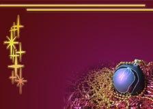 De samenstelling van de Kerstmisvakantie op Rode achtergrond met exemplaarruimte voor uw tekst Rode Kerstkaart royalty-vrije stock foto's