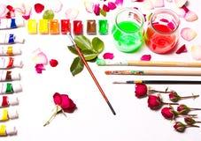 De samenstelling van kleuren, verven, borstels Stock Afbeeldingen