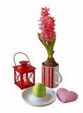 De samenstelling van Pasen met hyacint het is geïsoleerdi Stock Foto's