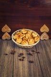 De samenstelling van vers gebakken gebakje Stock Foto