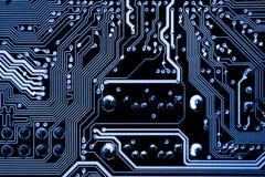 De samenvatting, sluit omhoog van Elektronische Kringen in Technologie op Mainboard-computerachtergrond royalty-vrije stock foto's