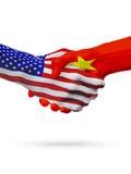 De samenwerking van het de vlaggenconcept van Verenigde Staten en van Vietnam, zaken, de sportenconcurrentie royalty-vrije illustratie