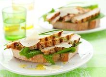De sandwich van Caesar van de kip Stock Afbeeldingen
