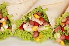 De Sandwich van de Omslag van de kip Stock Afbeeldingen