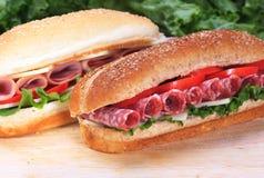 De sandwiches van de ham en van de salami stock foto's