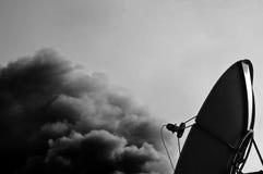 De satelliet Transmissie van de Schotel Stock Foto