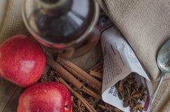 De saus en de ingrediënten van Apple Stock Foto