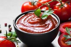 De saus van de tomatenketchup Stock Afbeeldingen