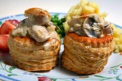 De saus van het de maaltijdgebakje van de vol-au-vent Stock Foto's