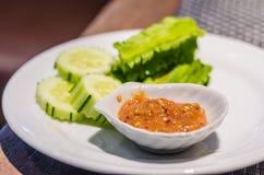 De saus van het garnalendeeg met groente royalty-vrije stock foto