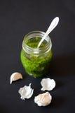 De saus van Pesto Stock Foto's