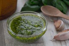 De saus van Pesto Stock Afbeelding