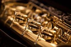 De saxofoon van fragmentkleppen Stock Fotografie