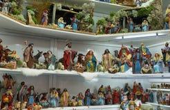 De scène van de Kerstmistrog met beeldjes stock fotografie