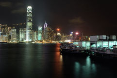De scène van de nacht van Hongkong Stock Afbeeldingen