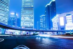 De scène van de nacht van moderne stad Stock Afbeeldingen