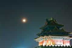 De scène van de nacht van oude toren Royalty-vrije Stock Afbeelding